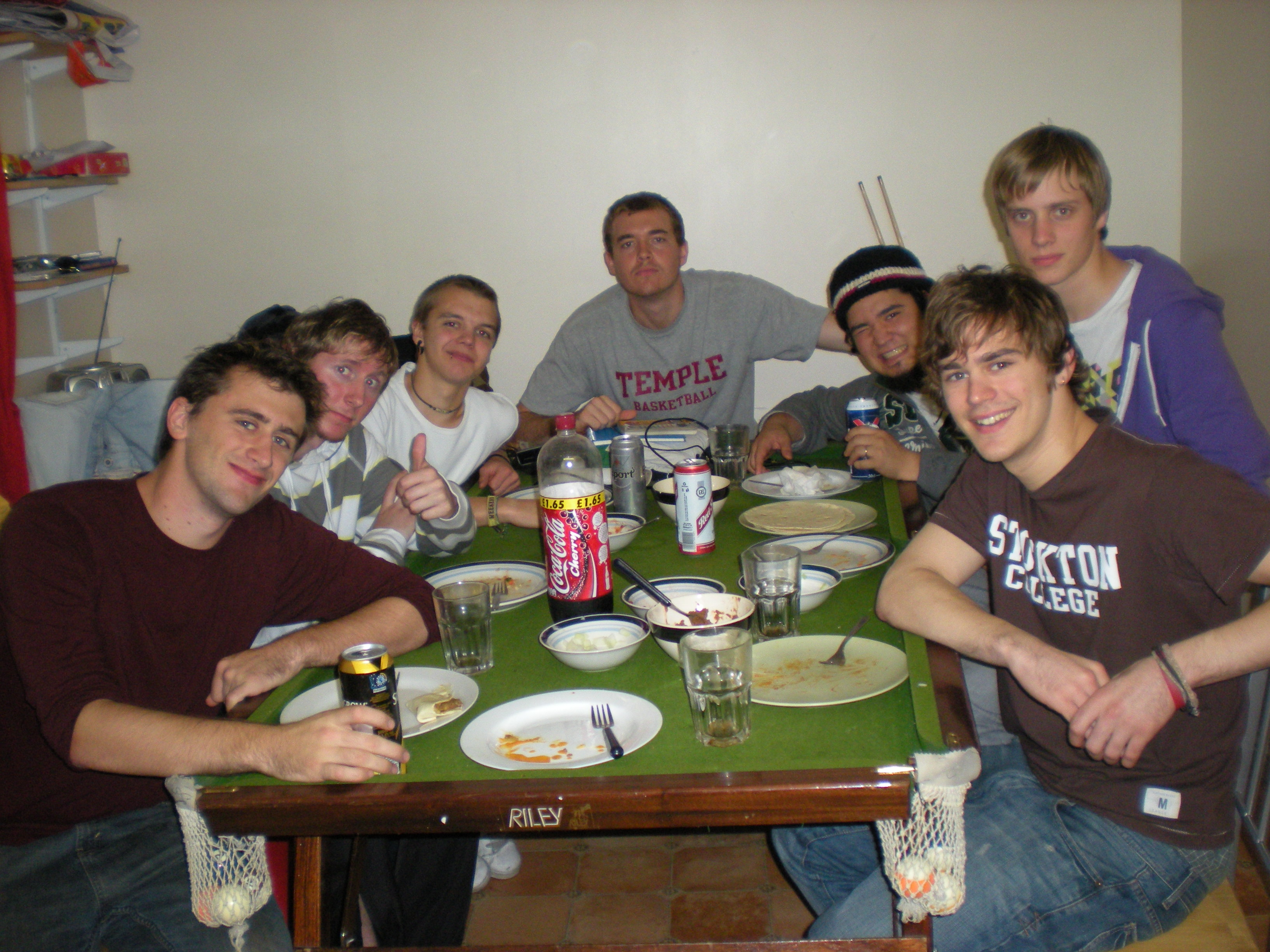 Brits, Brazilians and Americans share a meal, Oct. 5, 2008.